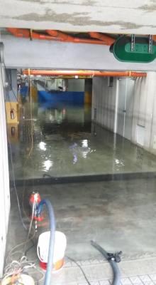 一心路社區地下室淹水抽水處理